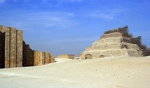 saqqara-pyramid