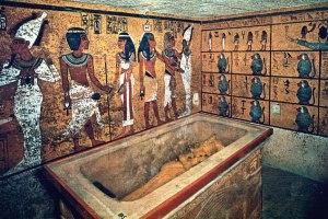 tut-tomb-interior